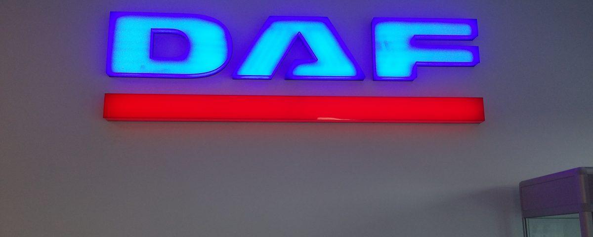 Logo 3D wykonane z pleksy