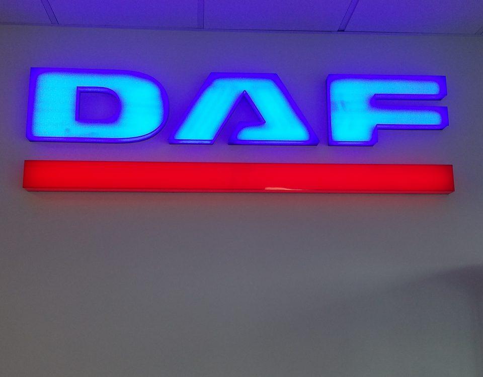 Logo 3D wykonane z plexy