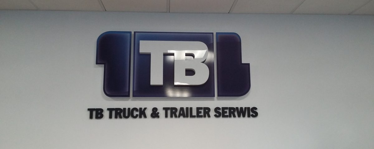 Logo 3D z pleksy z drukiem tonalnym